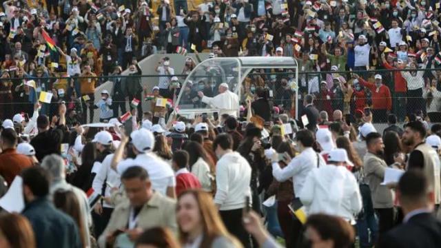 Aylan Kurdi'nin babası Erbil'i ziyaret eden Papa Francis'e tablo hediye etti
