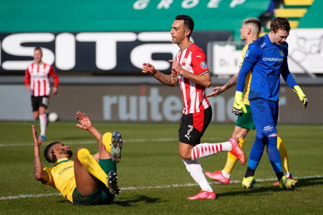 Eran Zahavi, missed by Fenerbahçe, keeps PSV in the championship race with his performance