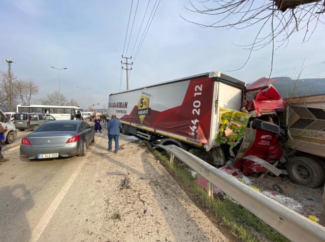 Bursa'da freni boşalan tır, önünde seyreden araçları biçti: Çok sayıda ölü ve yaralı var