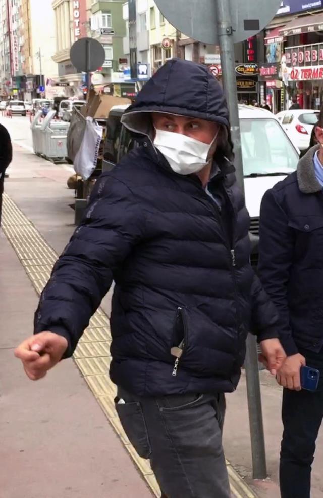 Çok yüksek riskli Samsun'da koronavirüslü bir kişi parkta otururken yakalandı