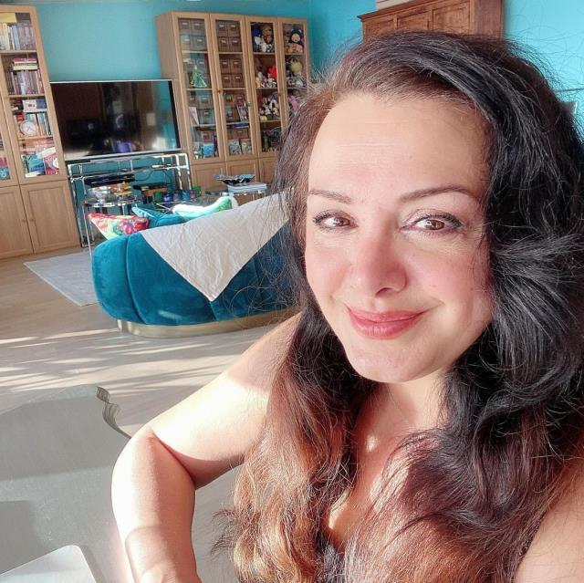 Programlarıyla yıllara damga vuran Esra Ceyhan, değişimiyle yeniden gündem oldu