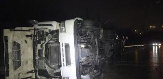 Ovaakça: Kontrolden çıkan TIR, bariyerlere çarparak devrildi; Sürücü yaralandı