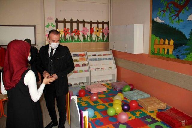 Ağrı Milli Eğitim Müdürü Tekin, dil sokağı ve kütüphane açılışı gerçekleştirdi