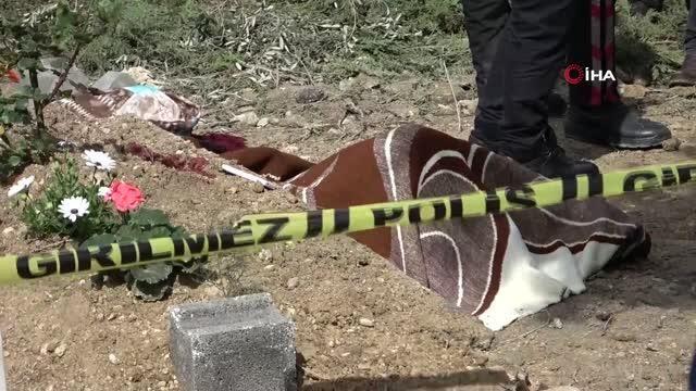 Annesinin acısına dayanamayıp mezarı başında intihar etti