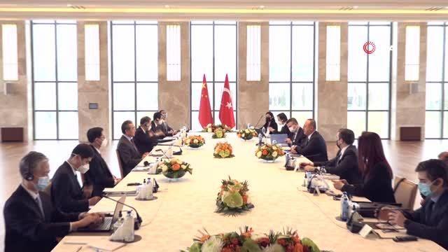 Bakan Çavuşoğlu, Çinli mevkidaşı Wang Yi ile görüştü