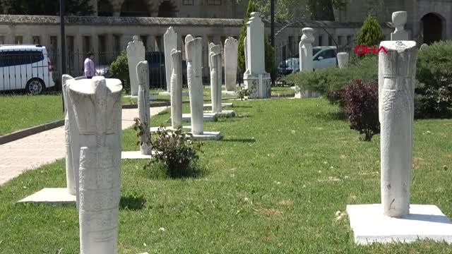 Rüyada mezar görmek ne demek? Rüyada mezar kazmak, mezarda uyumak, mezara basmak ne anlama gelmektedir?