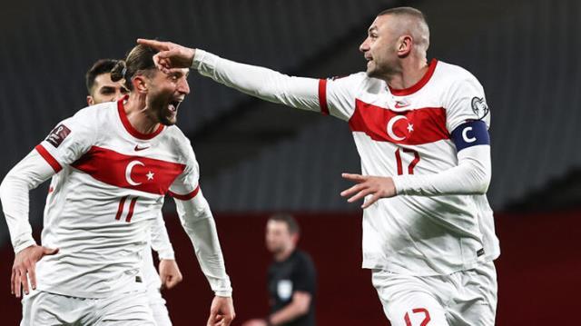 Türkiye Hollanda'yı 4 golle dağıttı, Avrupa basınının ağzı açık kaldı: Portakallar Türkiye'de rezil oldu