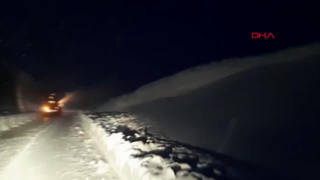 Ağrı'da karayolları ekiplerinin kar seferberliği