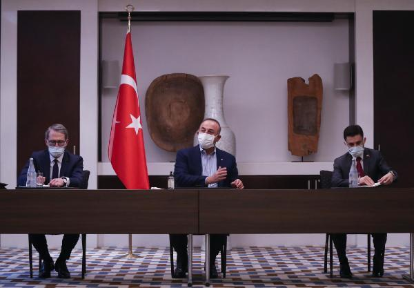 Bakan Çavuşoğlu, Tacikistan'da iş insanlarıyla bir araya geldi