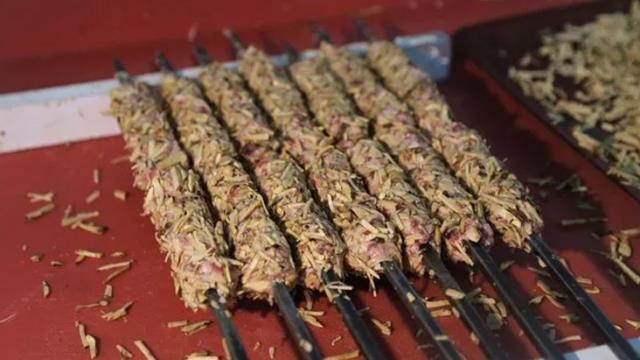 Şanlıurfa'da yalnızca ilkbaharda yetişen ve kebabı yapılan Keme mantarının kilosu 150 liradan satılıyor