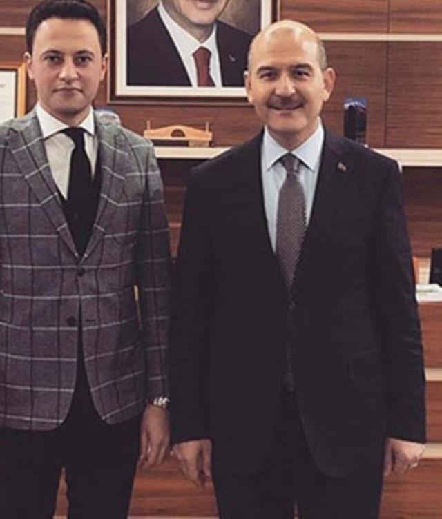 Kürşat Ayvatoğlu, siyasi isimlerle olan fotoğraflarını böyle savundu: Onlara yakın olursam daha güçlü görünürdüm