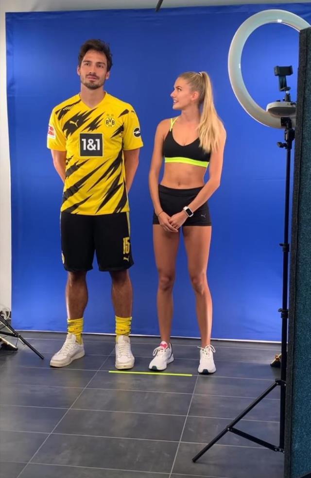 Dünyanın en güzel atleti 21 yaşındaki Alicia Schmidt'le çalışmaya başlayan Dortmund'un performansı yükselişe geçti