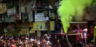 India: Dünyaca ünlü Holi festivalinde kan döküldü: 41 ölü, 38 yaralı