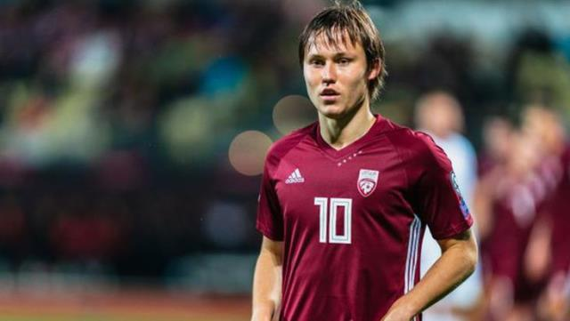 Davis Ikaunieks enters the game to replace his brother Janis in Latvia