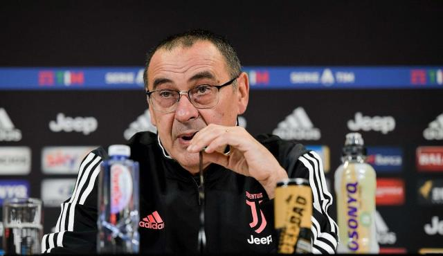 Coach Sarri, who is on the list of Yellow-Lacivertliler, announced his decision about the offers received.