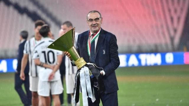 In the list of Yellow-Lacivertliler, Coach Sarri announced his decision regarding the offers received.