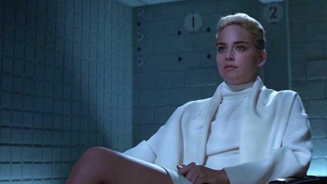 ABD'li oyuncu Sharon Stone'dan çok konuşulacak itiraf: Büyükannem kapıyı kilitler büyükbabam bizi istismar ederdi