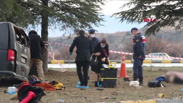 Son dakika haber: ISPARTA Isparta'da minibüsle hafif ticari araç çarpıştı: 3 ölü, 8 yaralı - Yeniden