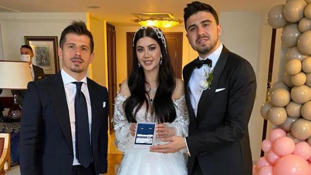 The yellow-blue club gave Ozan a 19.07 carat wedding ring with a special note on his happy day.