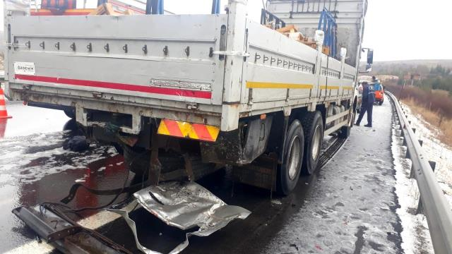 Ankara'da zincirleme trafik kazası: 4 ölü, 7 yaralı