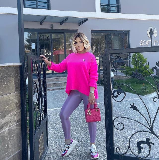 Ciciş kardeşlerden Esra Ersoy son halini paylaştı, her gören Ajda Pekkan'a benzetti