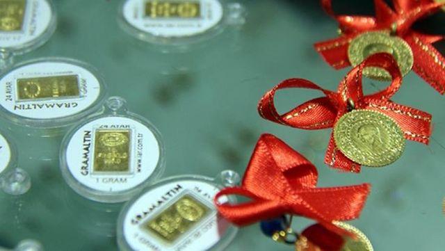 Güne düşüşle başlayan altının gram fiyatı 451 liradan işlem görüyor