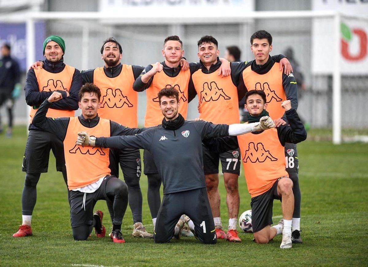 Bursaspor, Altay maçı hazırlıklarına ara verdi
