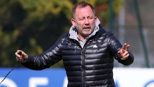 Having difficulty in forming a squad, Sergen Yalçın prepared new formulas for Kasımpaşa and Alanya matches.