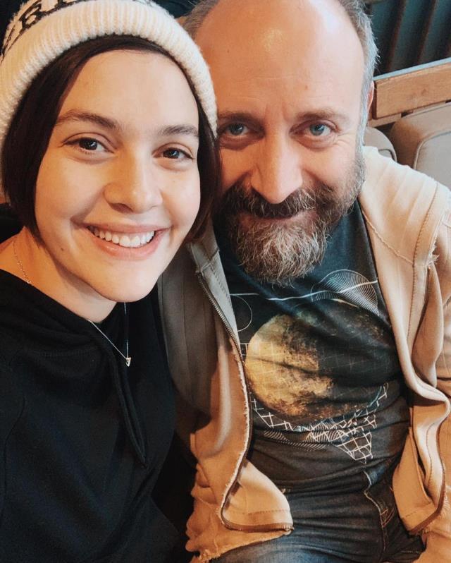 Ünlü oyuncu Bergüzar Korel, 3. kez hamile olduğunun müjdesini verdi