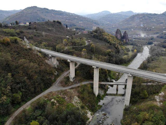 Asrın projesi 'Karadeniz-Akdeniz Yolu'nda sona gelindi