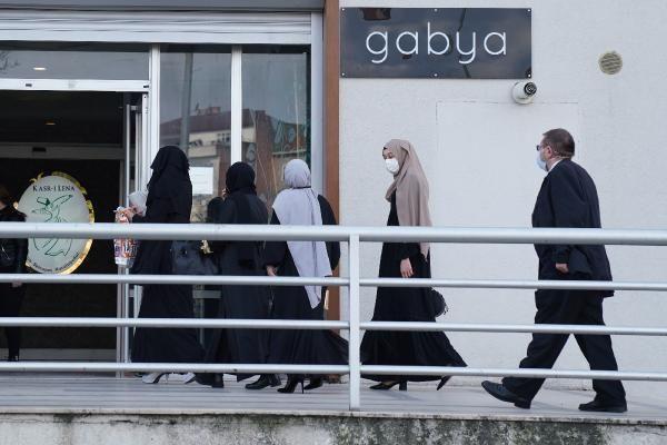 Cübbeli Ahmet'in kızını evlendirdiği düğünde koronavirüs tedbirleri hiçe sayıldı