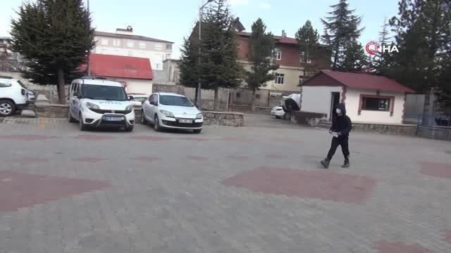 Son dakika gündem: Küçük çocuk yerde bulduğu parayı polise teslim etti