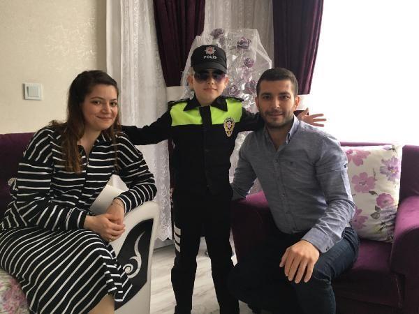 Son dakika haberi... Küçük Halil'in doğum gününü polis kutladı