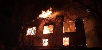 Taşkesti: Mudurnu'da çıkan yangında iki katlı ahşap ev kullanılamaz hale geldi