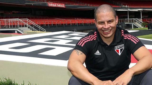 Sao Paulo officially announces the appointment of Alex de Souza