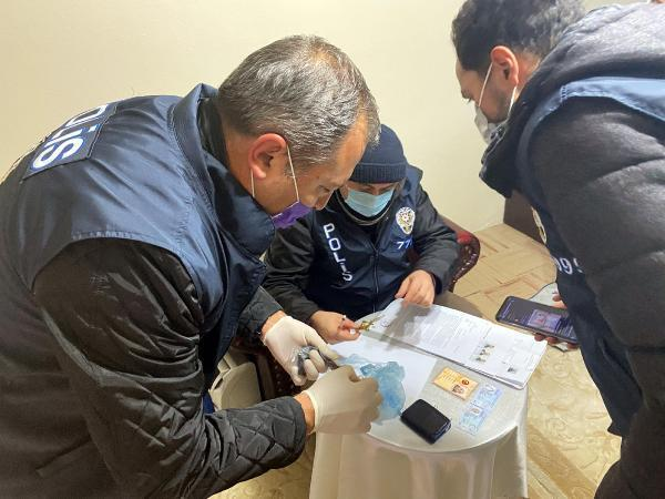 Son dakika haberi... Ankara merkezli 8 ilde uyuşturucu satıcılarına 'Vadi' operasyonu: 81 gözaltı
