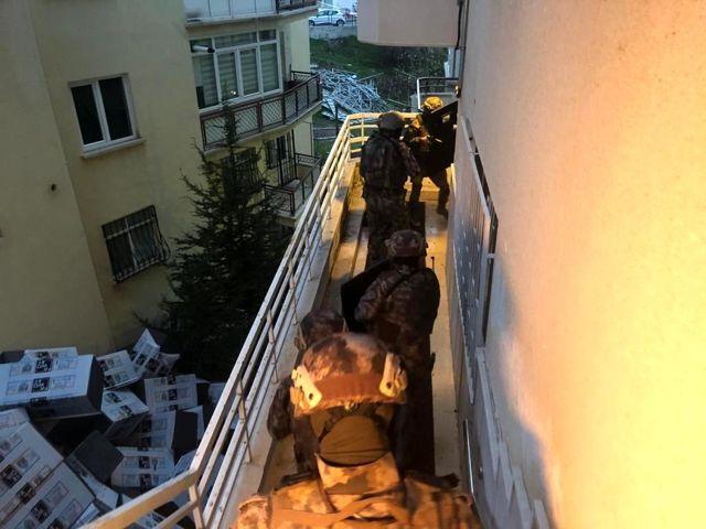 Ankara merkezli 8 ilde uyuşturucu satıcılarına 'Vadi' operasyonu: 81 gözaltı
