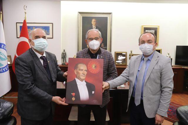 Sücaaddin Veli Kültür Derneği'nden Başkan Büyükerşen'e ziyaret