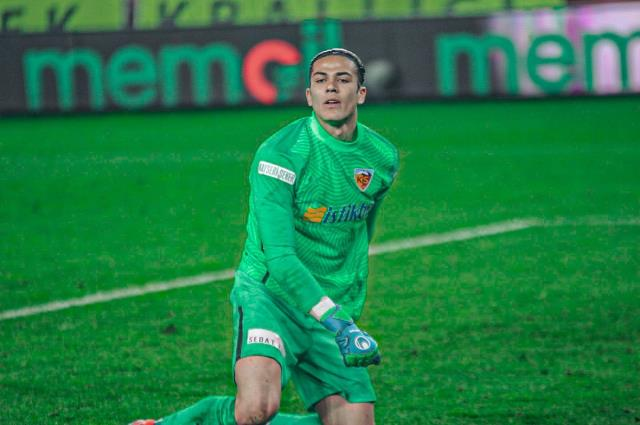 18-year-old goalkeeper Alemdar, tired of making a save, got worse when he ran out of power