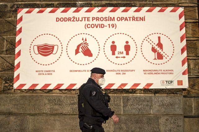 Çekya'da Covid-19 kısıtlamaları hafifletiliyor