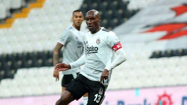 Beşiktaş'ın kaptanı Atiba Hutchinson'a ırkçı saldırı