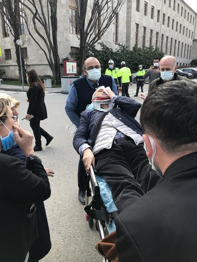 İYİ Partili Yılmaz ve eşi TBMM yerleşkesindeki trafik kazasında yaralandı