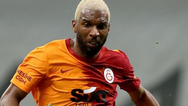 Lider Beşiktaş'a eski oyuncusu Babel'den şampiyonluk göndermesi