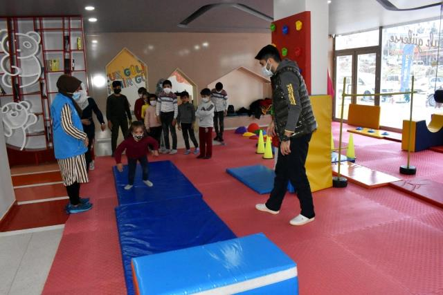 Suriyeli öğrenciler Kulüp Başakta gönüllerince eğlendi