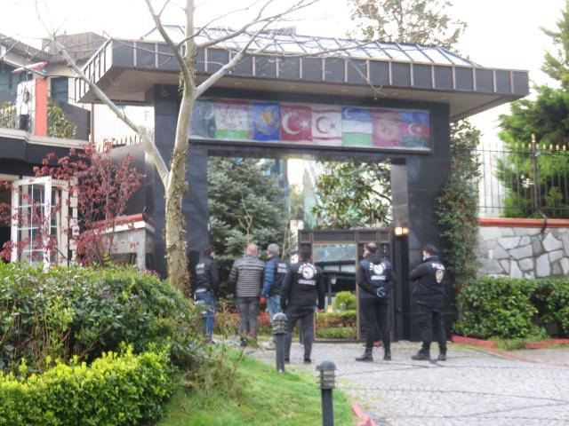 Emniyet'ten Sedat Peker liderliğindeki suç örgütüne dev operasyon! Villasında ve cipinde arama yaptı