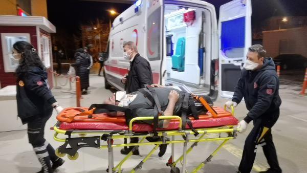 Bursa'da, 3 aracın karıştığı kazada engelli sürücü yaralandı