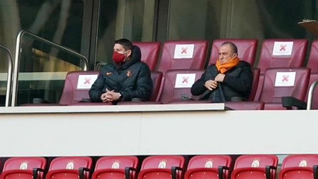 Telephone tactic from Fatih Terim, who was in the stands due to his sentence,