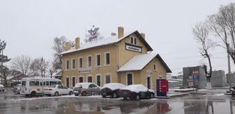 Sertavul Geçidi: Kar yağışı etkili oluyor
