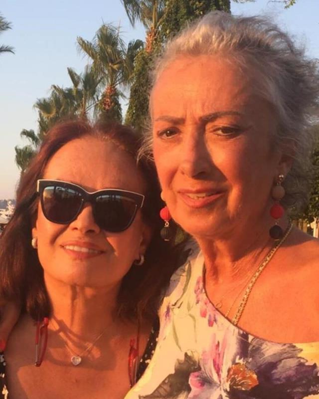 Müjde Ar'ın kanser tedavisi gören kardeşi Mehtap Ar yaşamını yitirdi