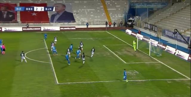 Goalkeepers' mistakes marked the first half of the BB Erzurumspor-Beşiktaş match